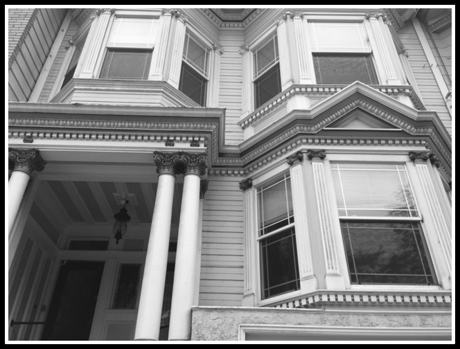 The flat where we eventually stayed. Don't you love the architectural details? Very San Fran.